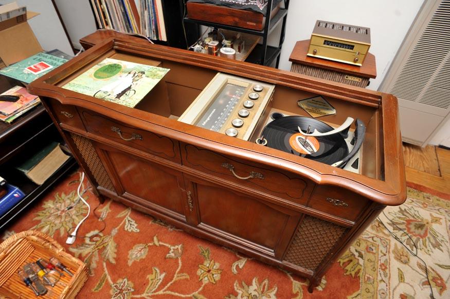 Hope for Tubes Magnavox Console, Nope! | Audiokarma Home
